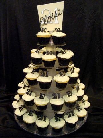 Cupcake Decorating Ideas 21st Birthday : Girls Cake 18th and 21st 29 - Heidelberg Cakes